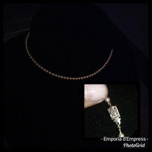 Adorable vintage Japanese faux pearl choker